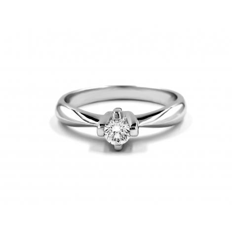 Solitario con diamante stella