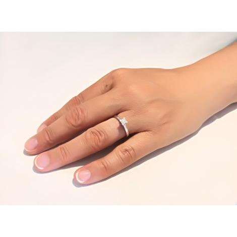 Solitario in oro bianco e diamante a 4 griffe